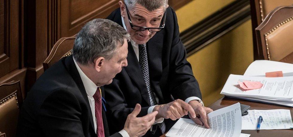 Lubomír Zaorálek exministru financí Andreji Babišovi vytkl, že nezabránil prodeji bytů v pražské Písnici