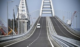 Most spojující Rusko s Krymem stál 228 miliard rublů (téměř 80 miliard korun)