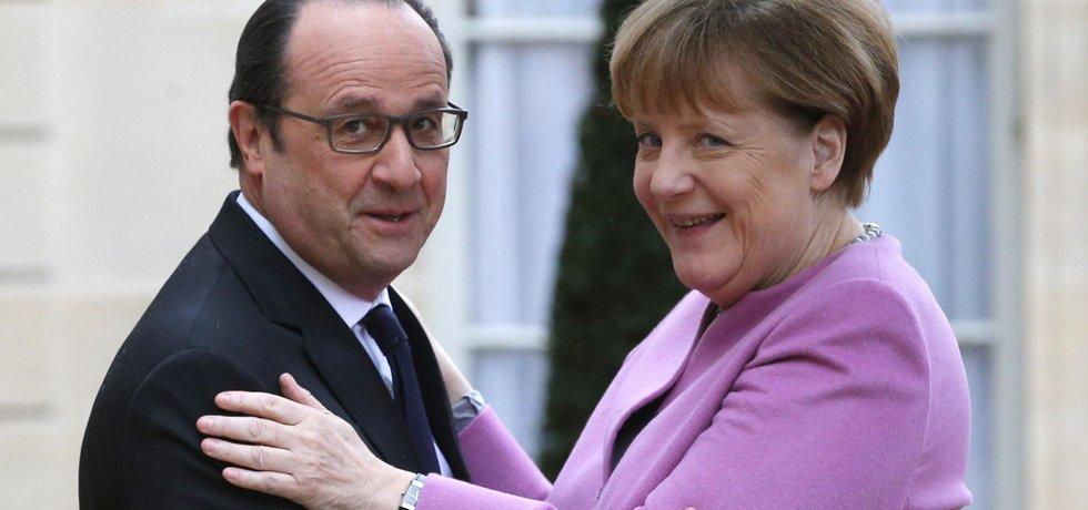 Francouzský prezident François Hollande a německá kancléřka Angela Merkelová