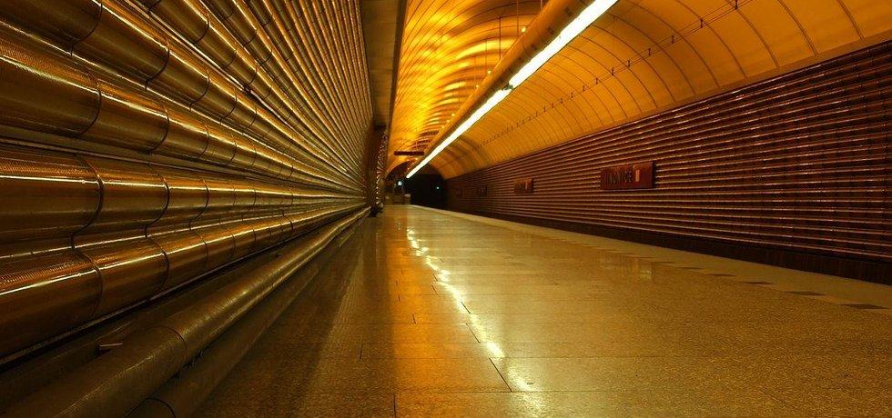 Stanice metra Jinonice, interiér
