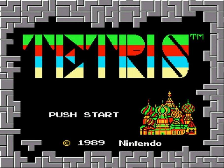 Legendární Tetris vznikl v Sovětském svazu. Takhle vypadala úvodní obrazovka ve verzi pro konzoli Nintendo.
