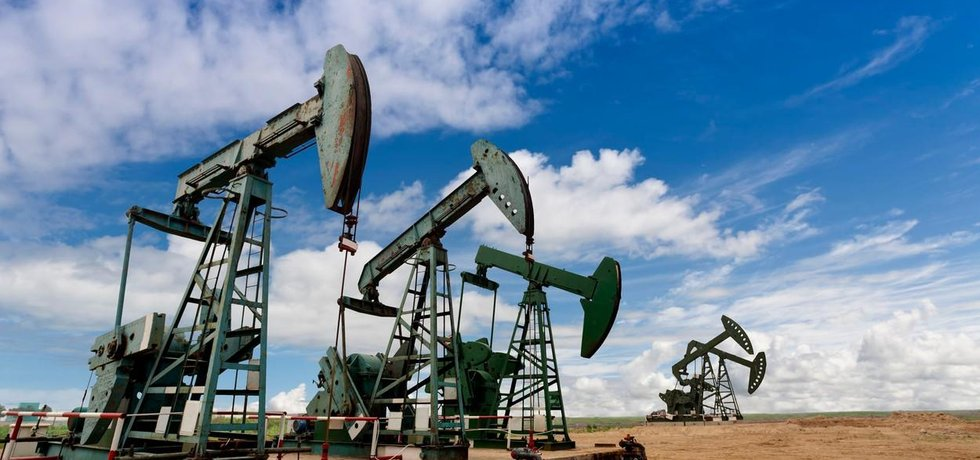 ropné pole, ilustrační foto