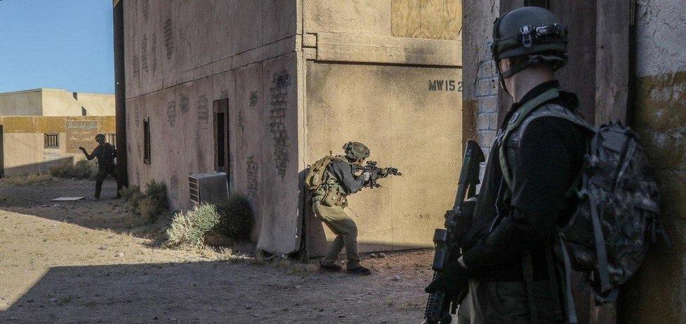 Američtí vojáci během cvičení v Mohavské poušti, ilustrační foto