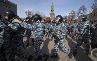 Ruská policie v akci proti demontrantům