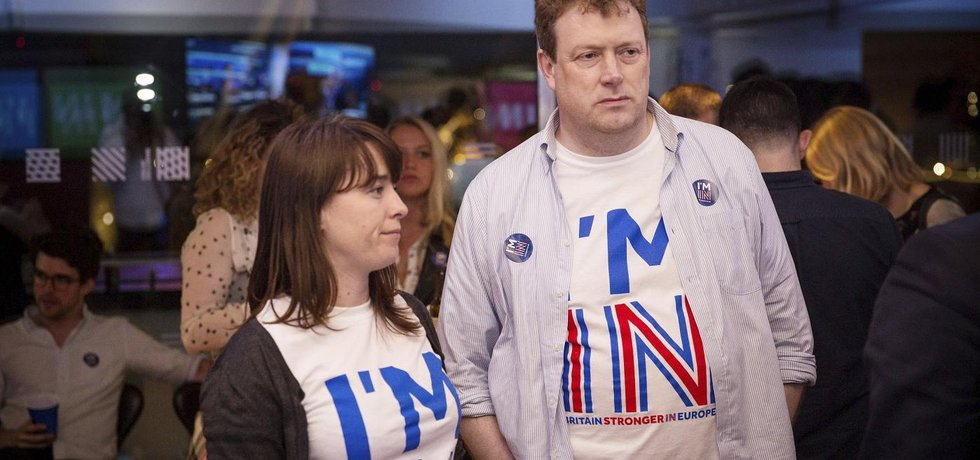 Zklamaní britští příznivci setrvání v Evropské unii (Zdroj: čtk)