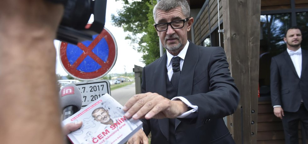 Andrej Babiš má problémy kvůli své knize O čem sním, když náhodou spím