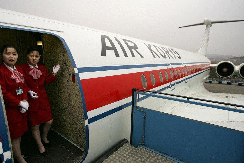 Poslech propagandistických písní, kapající klimatizace či nekvalitní jídlo – to vše musíte přetrpět v letadlech Air Koryo.