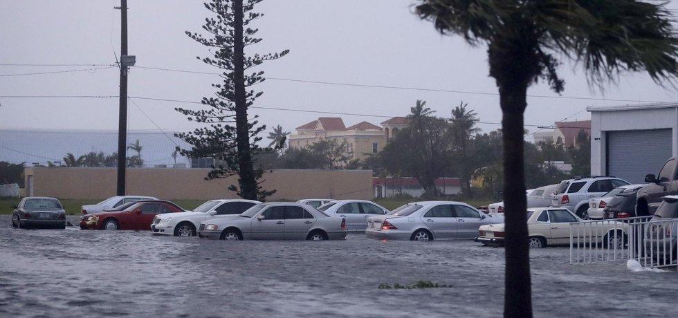 Následkem hurikánu Irma byly i záplavy na západofloridském pobřeží