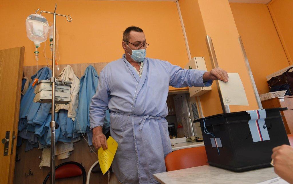 Do přenosných uren se volní také v nemocnicích