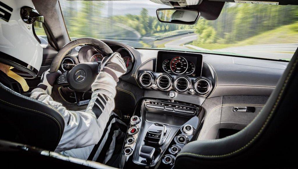 Mercedes-Benz AMG GT R