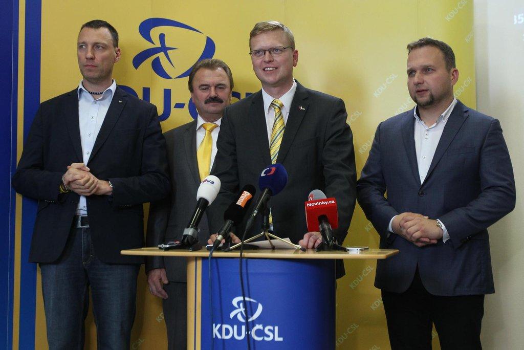 Výsledek krajských voleb je podle šéfa lidovců Pavla Bělobrádka pro KDU-ČSL solidní.