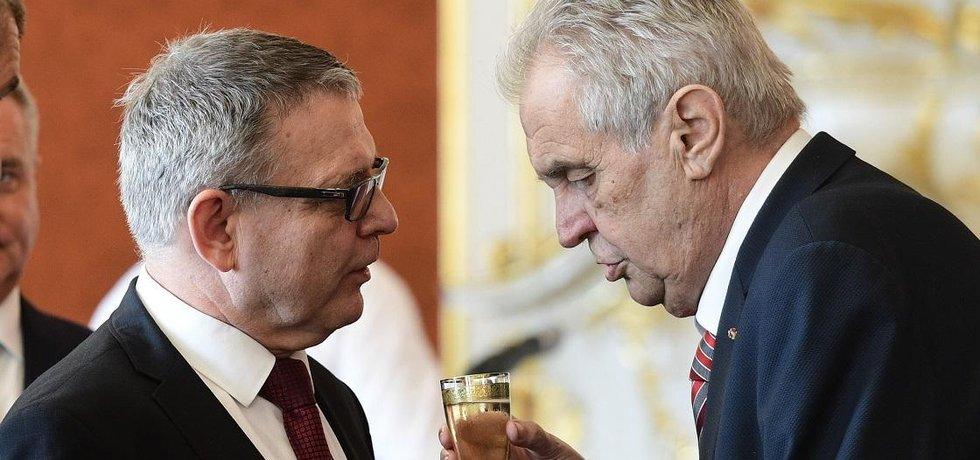 Ministr kultury Lubomír Zaorálek a prezident Miloš Zeman