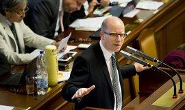 Koalice premiéra Bohuslava Sobotky nakonec ustoupila. Služební zákon bude bez generálního ředitelství.