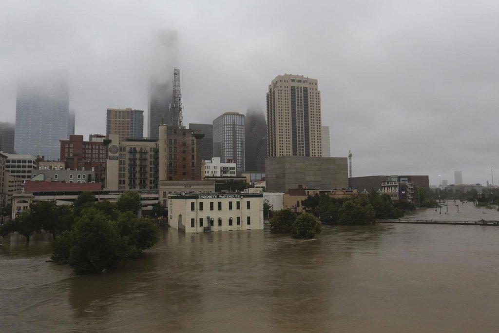 Hurikán a bouři Harvey následují rozsáhlé záplavy