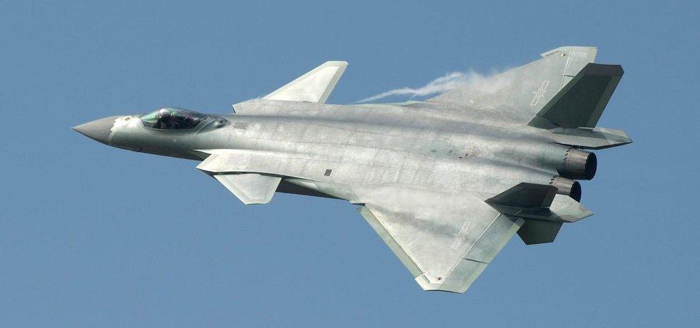 Čínský letoun s technologií Stealth J-20