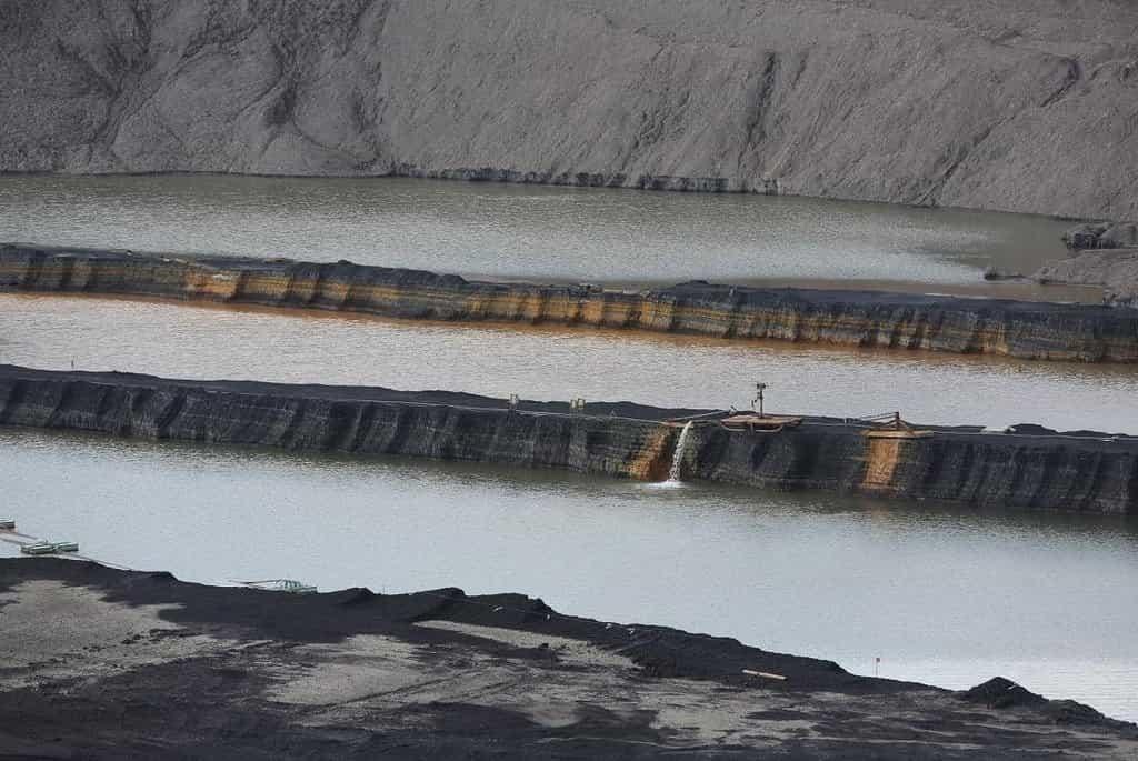Dotěžené uhelné lomy na Mostecku se změní v novou vltavskou kaskádu