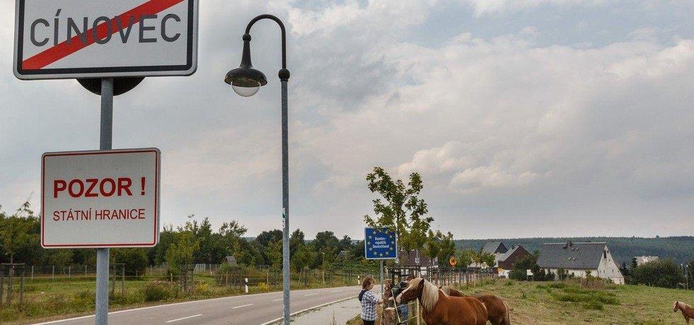 Hraniční přechod Cínovec. Lokalita je bohatým zdrojem lithia.