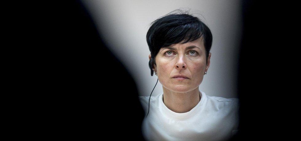 Vrchní státní zástupkyně Lenka Bradáčová už se nikdy nechce dostat do situace , kdy nebude vědět, na čem dělají její podřízení.