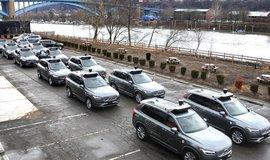 Flotila samořídících aut Uberu, ilustrační foto