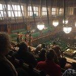Aktivisté skupiny Extinction Rebellion požadují nulové emise Británie do roku 2025.