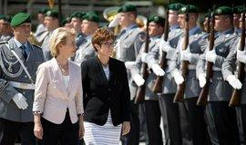 Kdo je nová šéfka Bruselu? Žena, která za sebou v německé armádě nechala minové pole