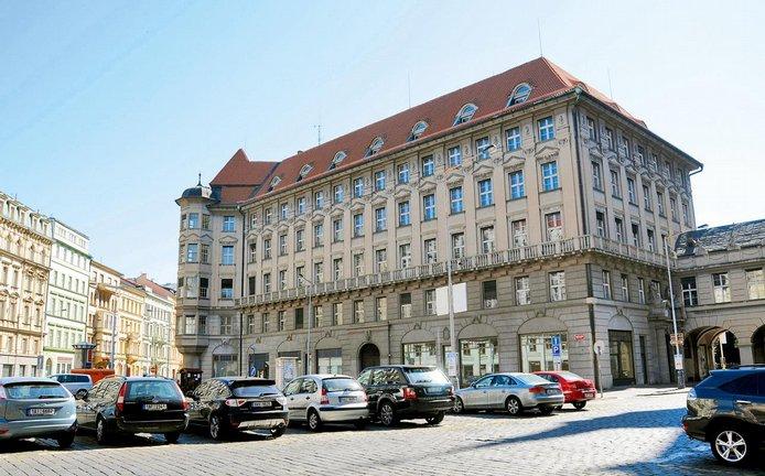 Bývalé sídlo IPB, archivní foto