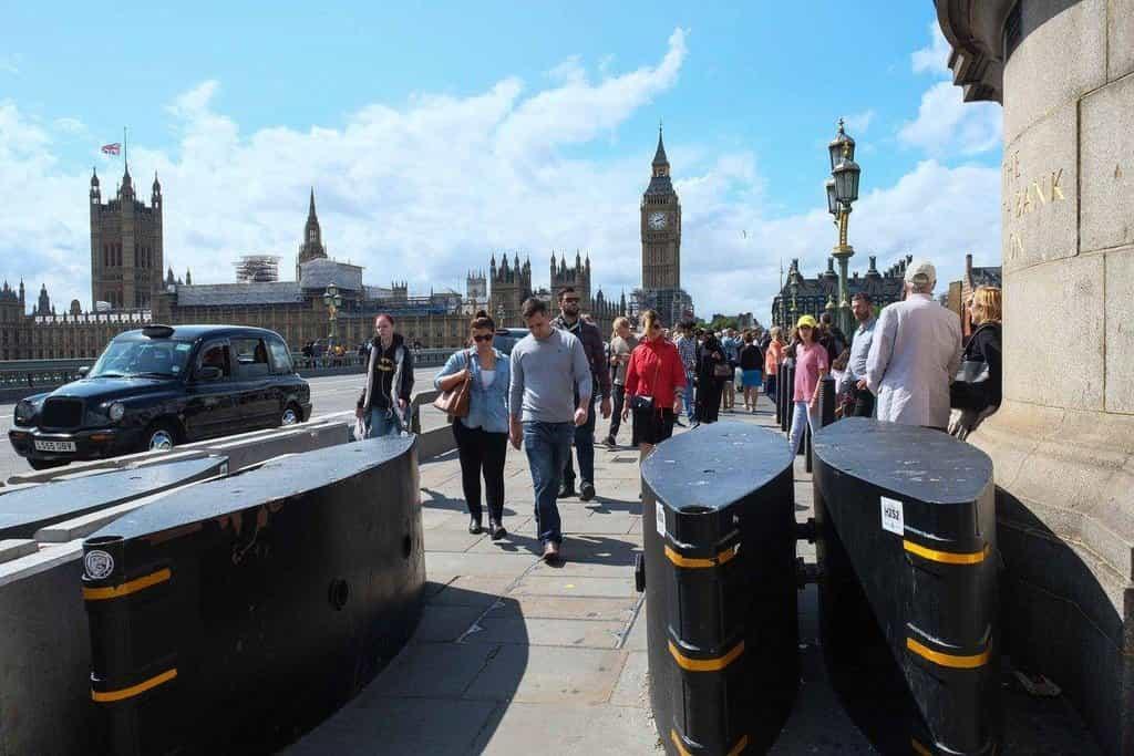 Bezpečnostní zábrany v Londýně