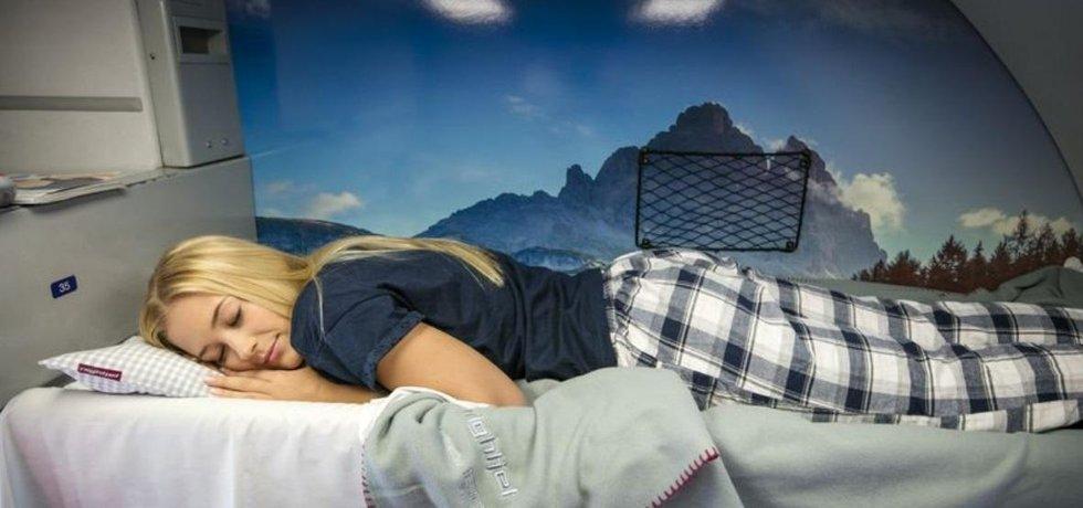 Rakouský Nightjet chce pokrýt Evropu od Hamburku po Řím. Nerušenému spánku mají pomoci i špunty do uší.