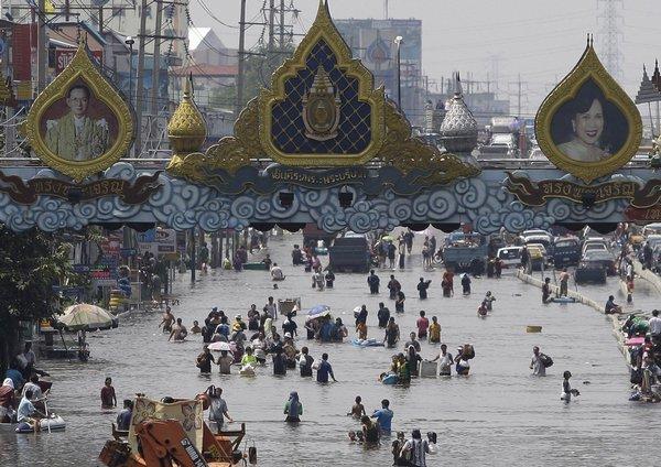 Bangkok postihují záplavy pravidelně.