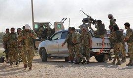 Syrská vládní vojska vyrazila na sever bránit zemi proti Turkům