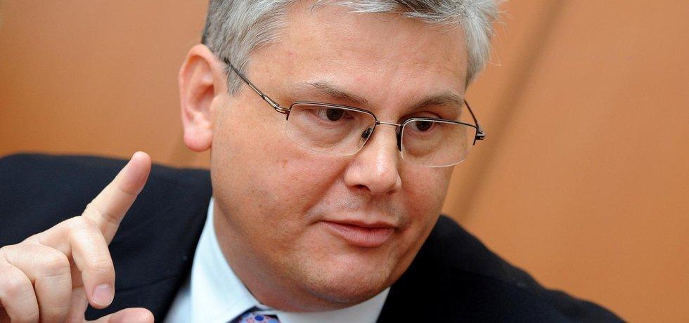 Ministr zdravotnictví Miloslav Ludvík