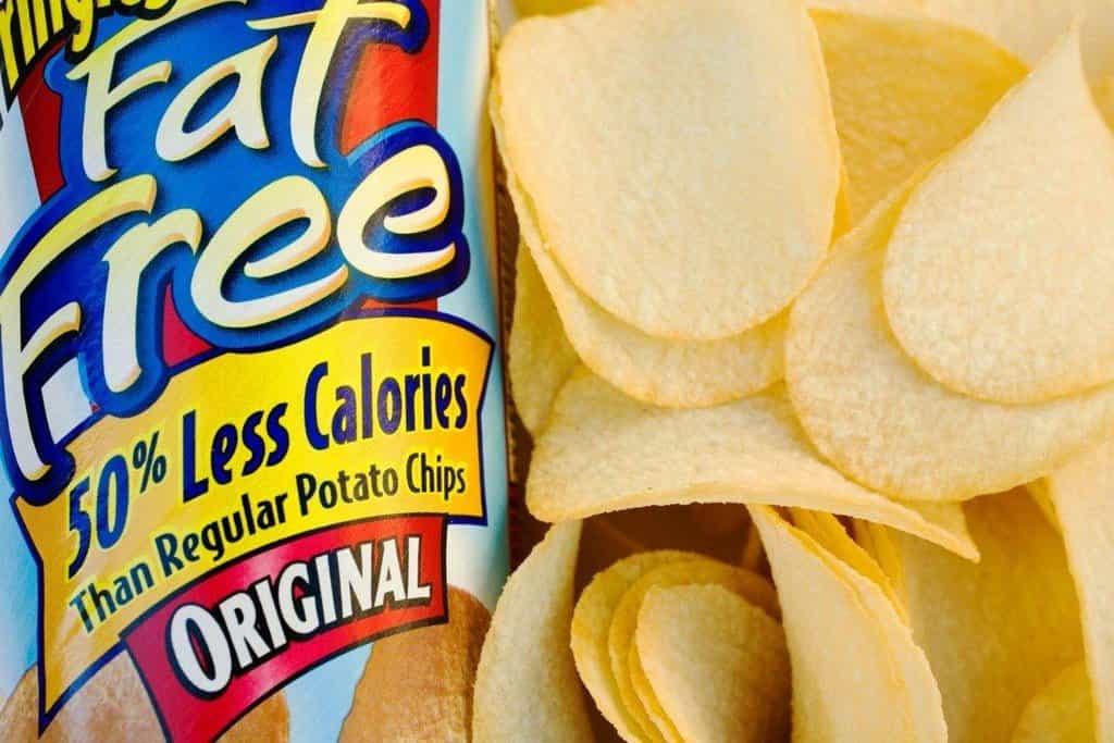 Pringles bez tuku: Light verze populární značky chipsů se nechytla. Problém byl především v tom, že chipsy obsahovaly náhražku tuku jménem Olestra. Při požití většího množství chipsů tato ingredience měla projímavé účinky.