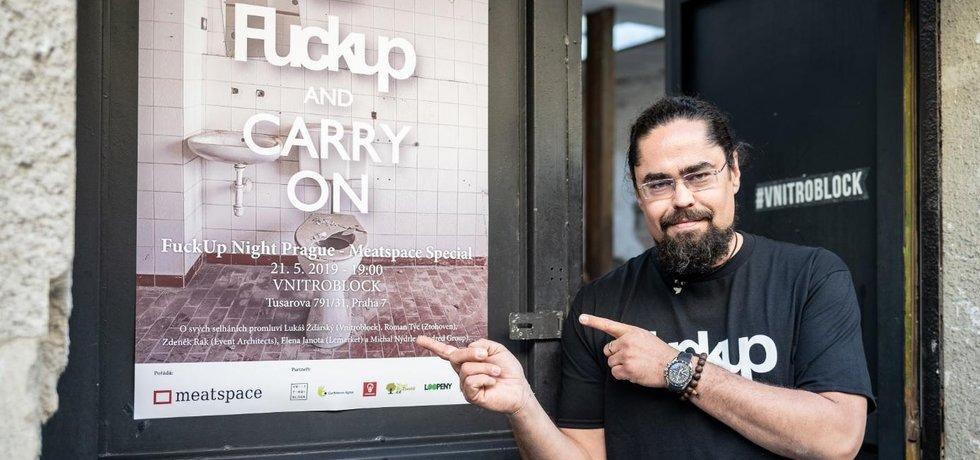 Tomáš Studeník pořádá akci FuckUp Nights v Česku.