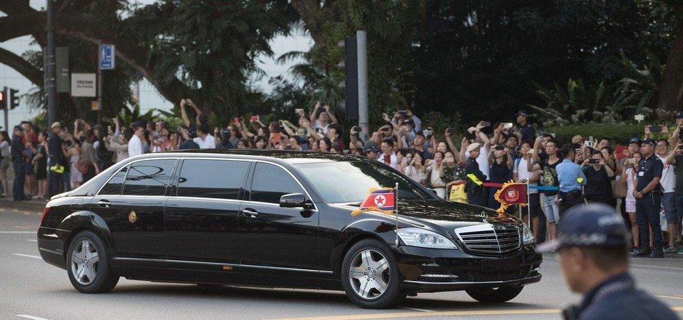 Kim Čong-un dorazil do Singapuru
