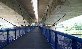 Lávka pod Radotínským mostem, pohled od komořanského konce