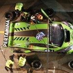 Zastávky vozu Lamborghini Huracán v boxech patřily k těm nejrychlejším. Nad nedělním ránem ale tým odstoupil.