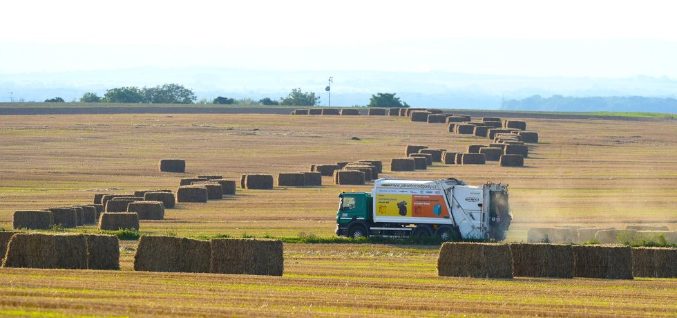 Sklizené pole, ilustrační foto