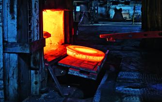 Klíčové pro další osud Vítkovic jsou i takzvané teplé provozy, třeba kovárny nebo pece (Autor Tomáš Novák/Euro)