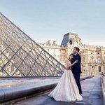 Louvre je pro fotografování žádanou lokalitou.