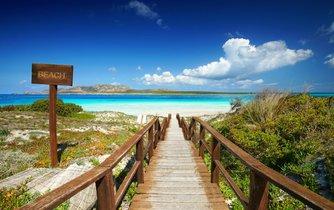 Pláž La Pelosa na Sardinii