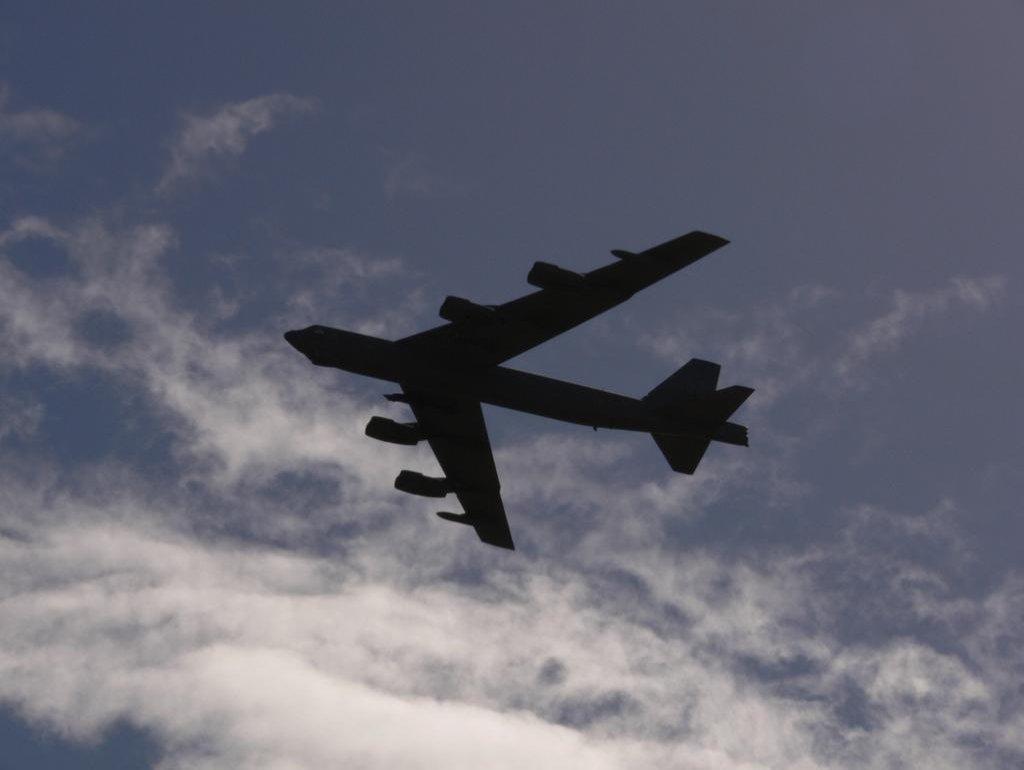 Bombardér B52