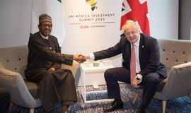 Britské pokrytectví. Investiční summit s Afrikou dává 90 procent peněz do fosilních projektů