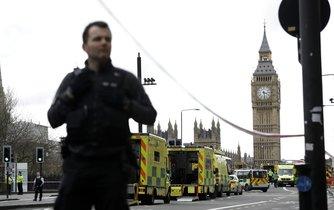 Aktuální fotografie z Londýna po teroristickém útoku před britským parlamentem