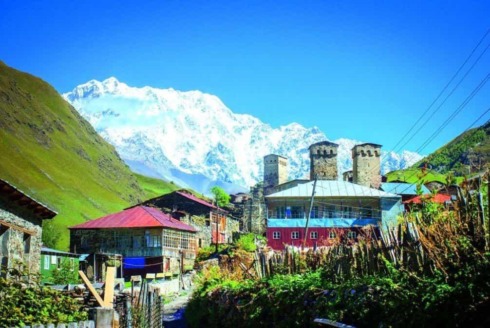 Ušguli leží ve výšce 2100 metrů