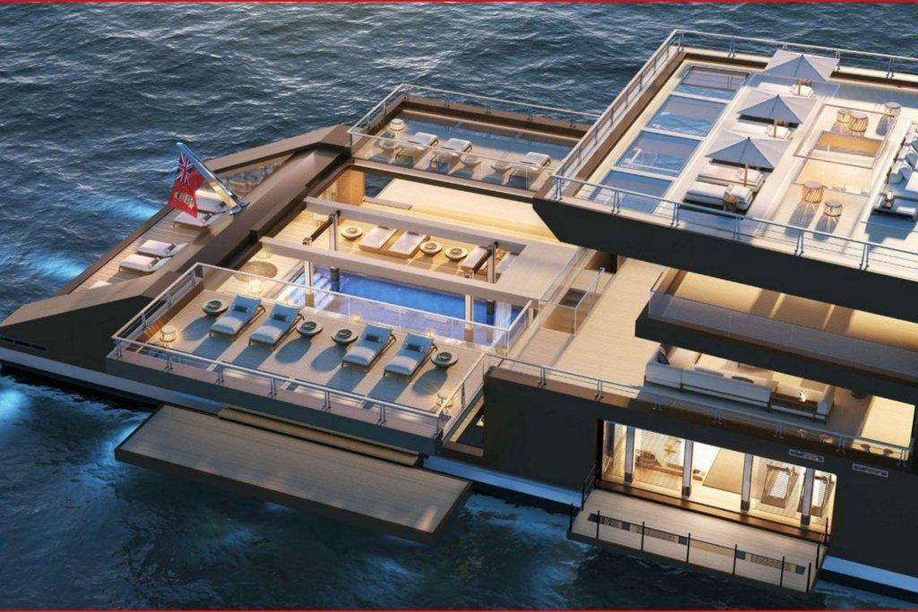 Nad spodní palubou je možná roztáhnout střechu, která pak zároveň slouží jako prodloužení střední paluby