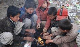 Znečištěné ovzduší v Afghánistánu bere více životů než válka, tvrdí environmentální organizace