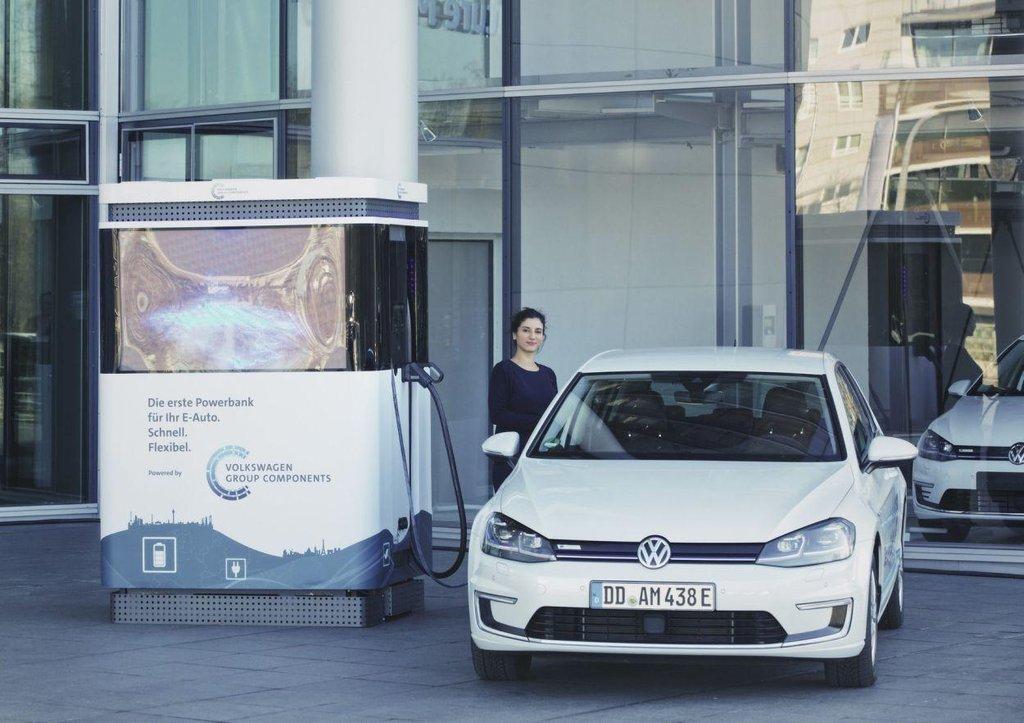 Cena nového vozu e-Golf atakuje na českém trhu hranici milionu korun.