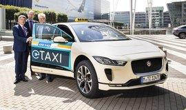 Taxi Jaguar I Pace v Mnichově