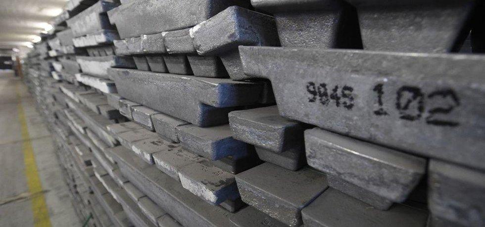 Sklady s kovy, které schraňuje Správa státních hmotných rezerv (SSHR)