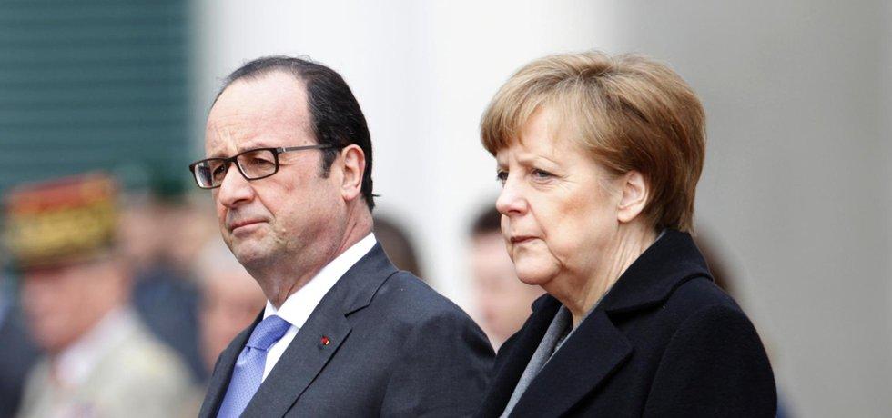 Francouzský prezident Francois Hollande a německá kancléřka Angela Merkelová